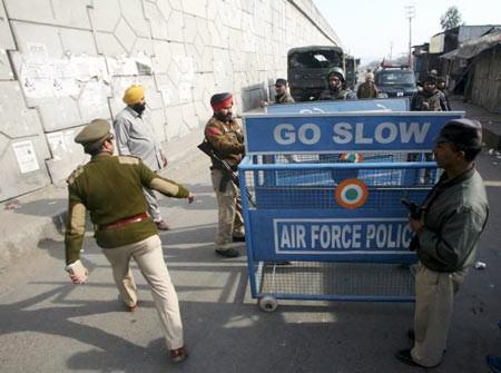 Индия потребовала от Пакистана сдерживать терроризм - ảnh 1