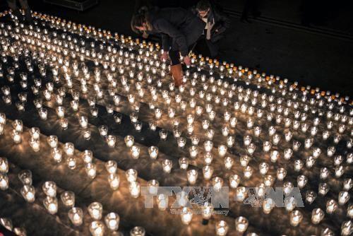 Франция готовится к годовщине теракта в редакции Charlie Hebdo - ảnh 1