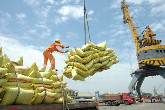 Экспорт поспособствовал развитию экономики Вьетнама в 2015 году - ảnh 1