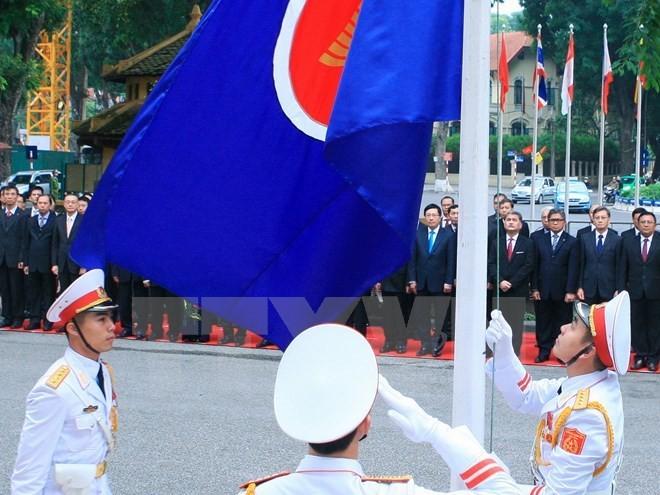 В Ханое прошло межведомственное заседание по подведению итогов сотрудничества АСЕАН за 2015 г. - ảnh 1