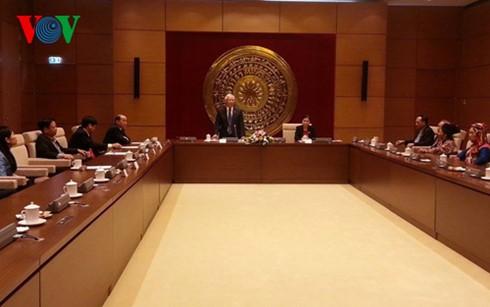 Уонг Чу Лыу принял депутатов парламента разных поколений от провинции Лайтяу - ảnh 1
