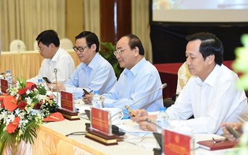 Нгуен Суан Фук: необходимо сосредоточить все ресурсы на устойчивой ликвидации нищеты - ảnh 1