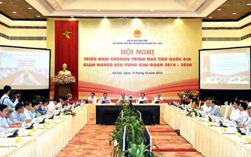 Нгуен Суан Фук: необходимо сосредоточить все ресурсы на устойчивой ликвидации нищеты - ảnh 2