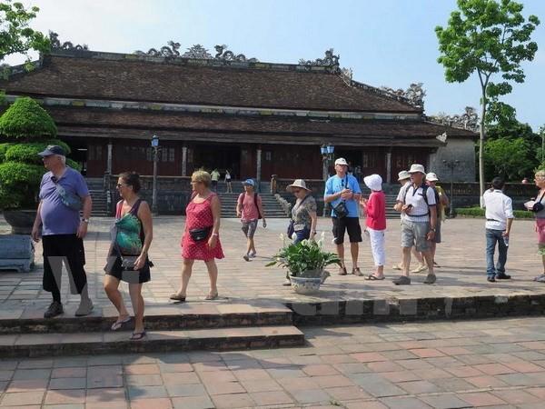 Более миллиона иностранных туристов посетили бывшую столицу Хюэ - ảnh 1