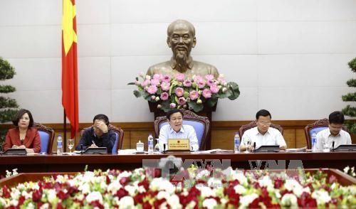 Выонг Динь Хюэ председательствовал на совещании по подведению итогов контроля над инфляцией - ảnh 1