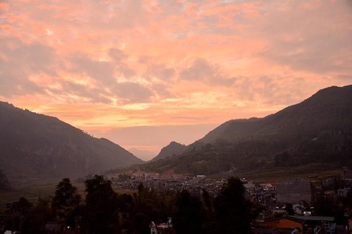 Местечко Донгван в красивейший сезон года - ảnh 1