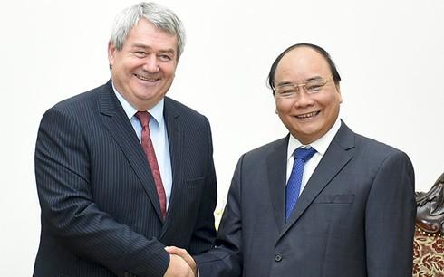 Премьер Вьетнама принял председателя Компартии Чехии и Моравии - ảnh 1