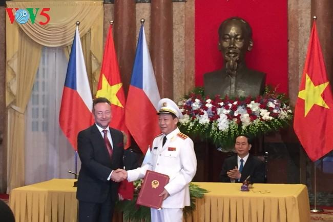 Вьетнамо-чешские отношения в дальнейшем выйдут на новый уровень - ảnh 2