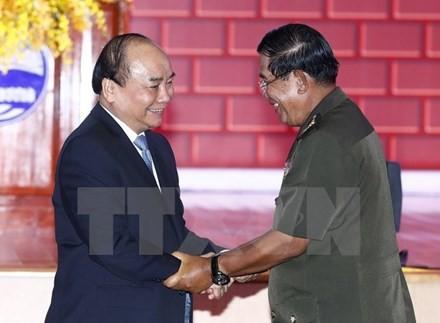 Вьетнамо-камбоджийские отношения: полвека солидарности и дружбы - ảnh 1