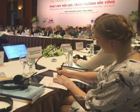 Вьетнам должен создать прорыв в экономической политике - ảnh 1
