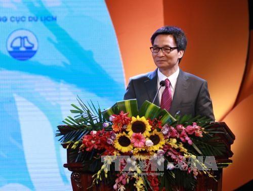 Вручены премии в области туризма Вьетнама 2017 - ảnh 1
