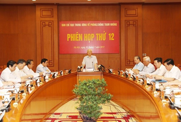 Партия и народ Вьетнама проявляют решимость в борьбе с коррупцией - ảnh 1