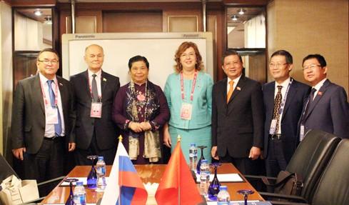 Тонг Тхи Фонг встретилась с вице-спикером Госдумы Ольгой Епифановой на полях АИПА-38 - ảnh 2