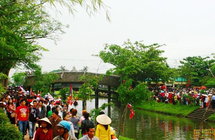 Сельский базар – хоумстей-туристический продукт провинции Тхыатхиен-Хюэ - ảnh 2