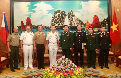 Vietnam's army wants to boost cooperation with the Philippines  - ảnh 1