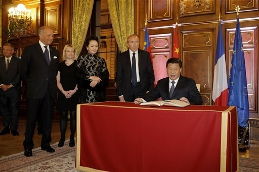France signs deals worth 25b USD with China - ảnh 1