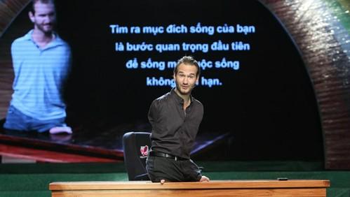 Nick Vujicic talks to 500 children in Ho Chi Minh City  - ảnh 1