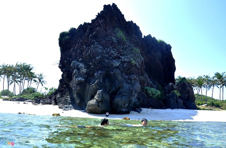 Amazing geological heritage in Ly Son island - ảnh 8