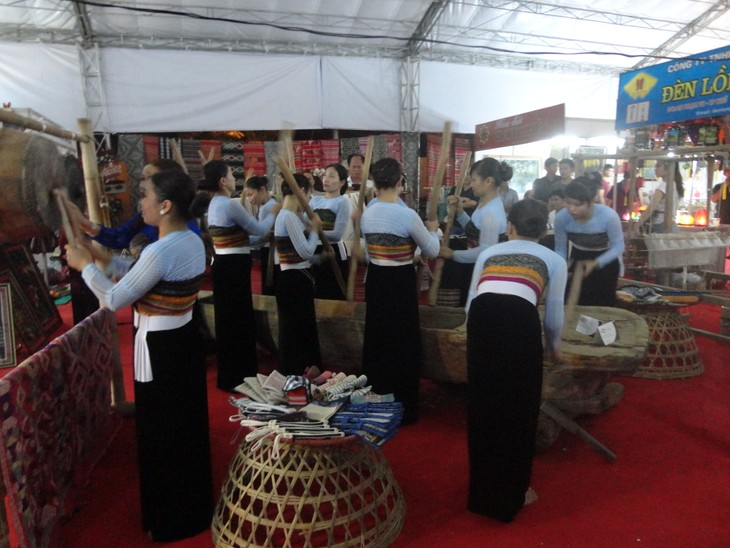 Vietnam Traditional Craft Village Tourism Festival 2016 at Thang Long Imperial Citadel  - ảnh 9