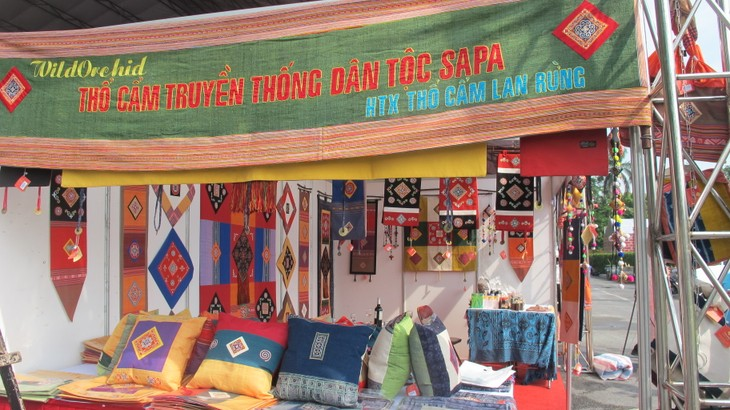Vietnam Traditional Craft Village Tourism Festival 2016 at Thang Long Imperial Citadel  - ảnh 2