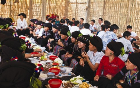Singulares festivales culturales de las minorías étnicas en Lai Chau - ảnh 3