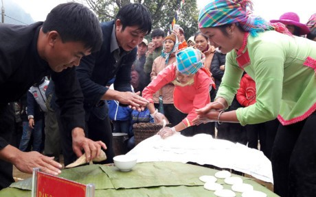 Singulares festivales culturales de las minorías étnicas en Lai Chau - ảnh 2