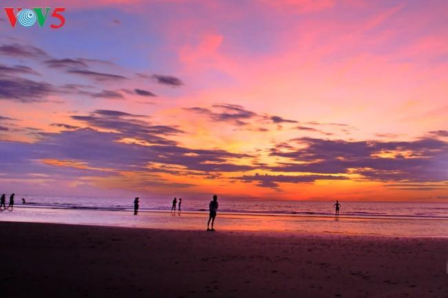 Playa de Cua Lo, zona de descanso atractivo en Nghe An - ảnh 2