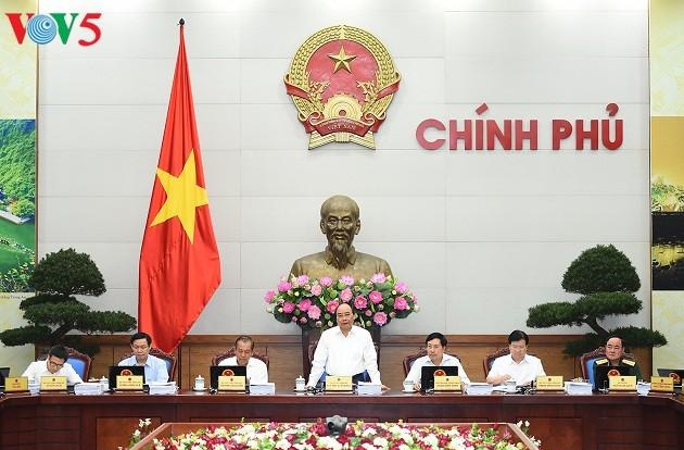 Gobierno vietnamita busca medidas para cumplir con los objetivos socioeconómicos de 2017 - ảnh 1