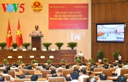 Llaman a convertir el sector económico privado en un motor de la economía mercantil de Vietnam - ảnh 1