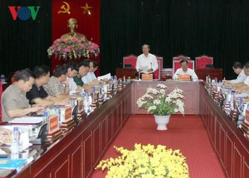 Dirigentes parlamentarios vietnamitas visitan provincias afectadas por inundaciones - ảnh 1