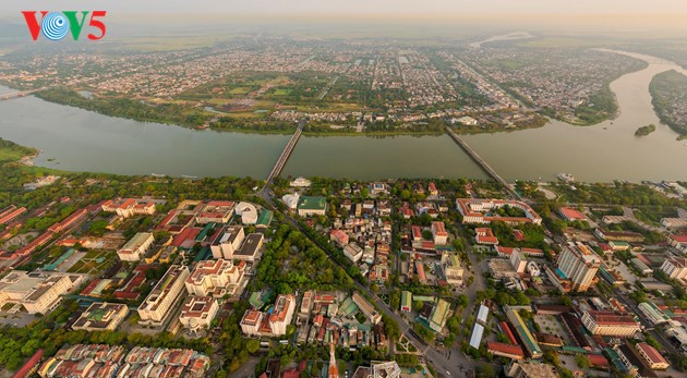 Momentos bellos de la antigua ciudad imperial de Hue - ảnh 12