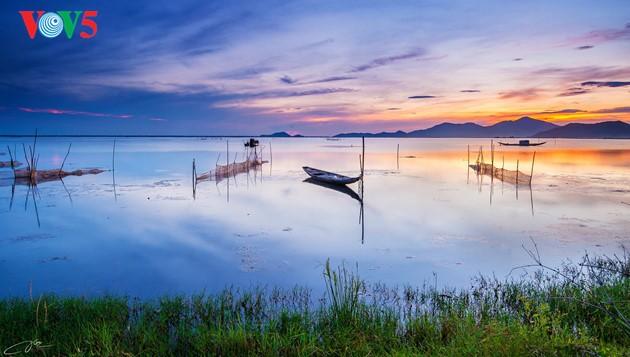 Momentos bellos de la antigua ciudad imperial de Hue - ảnh 1