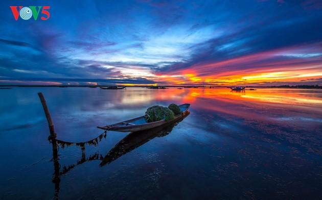 Momentos bellos de la antigua ciudad imperial de Hue - ảnh 2