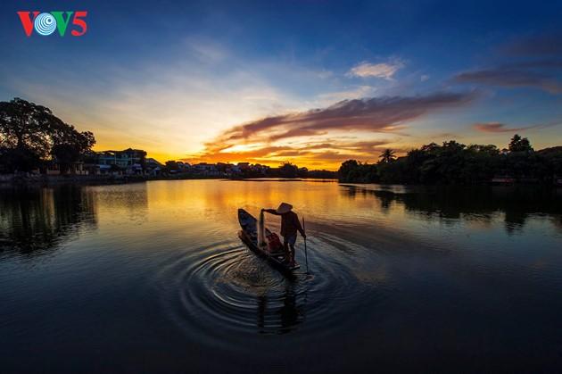 Momentos bellos de la antigua ciudad imperial de Hue - ảnh 3
