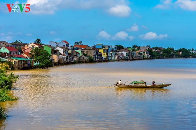 Momentos bellos de la antigua ciudad imperial de Hue - ảnh 8