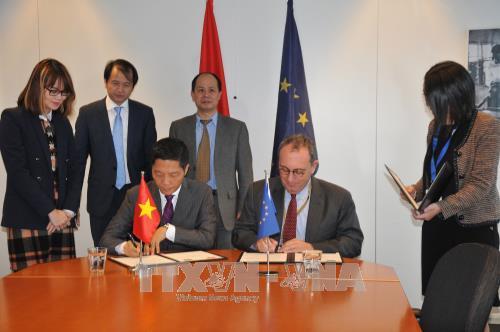 Vietnam y la UE se esfuerzan para poder firmar el TLC en 2018 - ảnh 1