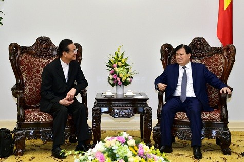 Trinh Dinh Dung reçoit le président du groupe Amata - ảnh 1