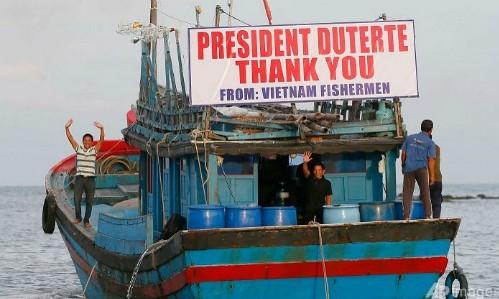 Le Vietnam salue la libération par Manille de ses 17 pêcheurs - ảnh 1