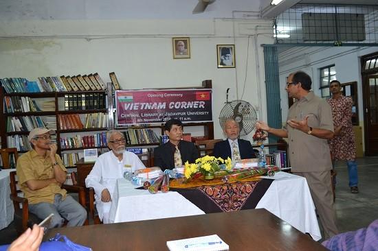 Ouverture des «coins des livres vietnamiens» en Inde - ảnh 1