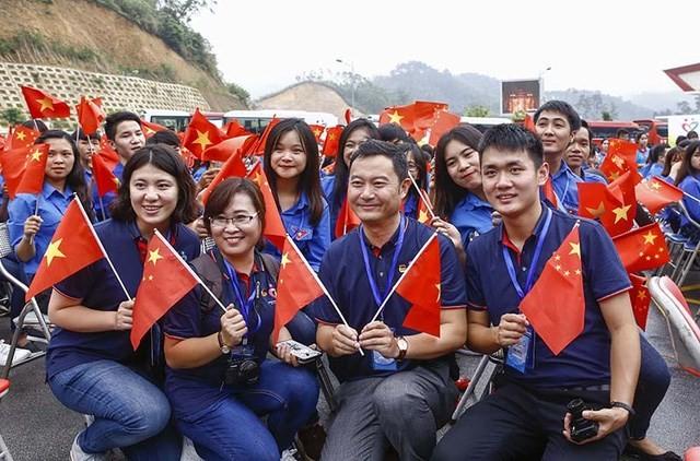 Ouverture du 3ème festival de la jeunesse Vietnam-Chine - ảnh 1