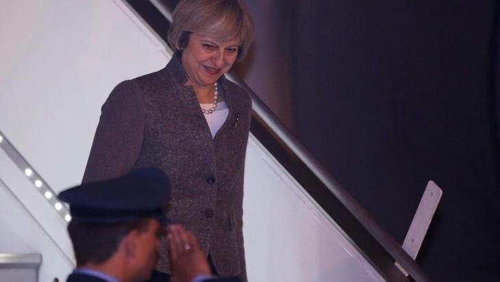 Theresa May en Inde, première visite bilatérale hors de l'Europe - ảnh 1