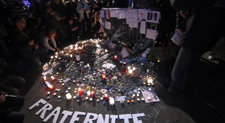 Attentats du 13 novembre, des commémorations sobres   - ảnh 1