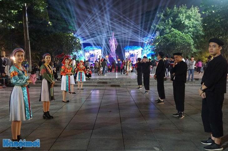 Inauguration d'un espace culturel Mong à Hanoï  - ảnh 1