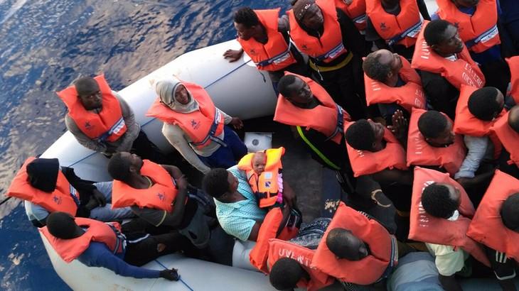 Crise migratoire: quelques 1400 migrants secourus samedi en Méditerranée  - ảnh 1