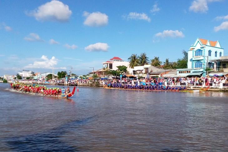 Ouverture de la journée culturelle, sportive et touristique des Khmers à Kien Giang - ảnh 1