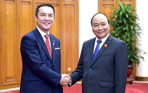 Nguyen Xuan Phuc reçoit le gouverneur de la préfecture japonaise de Mie - ảnh 1