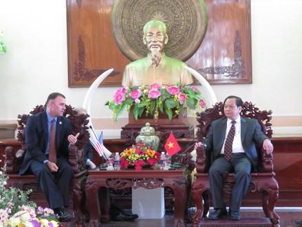 Renforcer la coopération entre le delta du Mékong et Riverside - ảnh 1