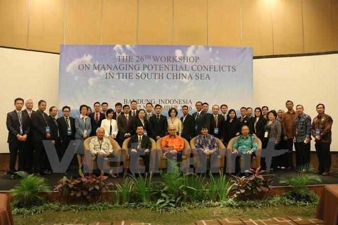 Colloque sur la gestion des conflits latents en mer Orientale à Bandung - ảnh 1