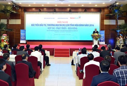 Nguyen Xuan Phuc à la conférence de promotion de l'investissement à Hoa Binh - ảnh 1