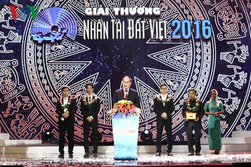 Remise des prix Talent du Vietnam 2016 - ảnh 1